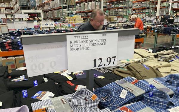 米国ではインフレが政治の争点になっている=AP