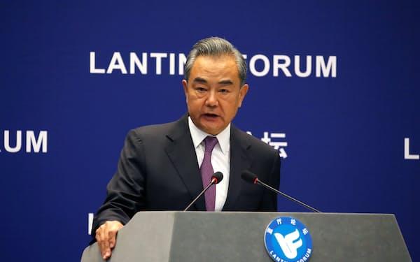 中国の王毅国務委員兼外相(6月25日)=ロイター