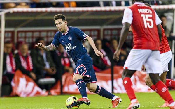 フランス1部リーグ、スタッド・ランス戦でプレーするパリ・サンジェルマンのメッシ=ゲッティ共同
