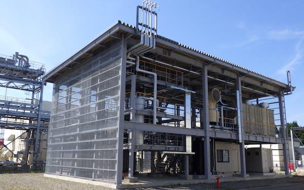 日立造船は新潟県にあるINPEXのガス田でも、排出されるCO2を使いメタンをつくる実験をした