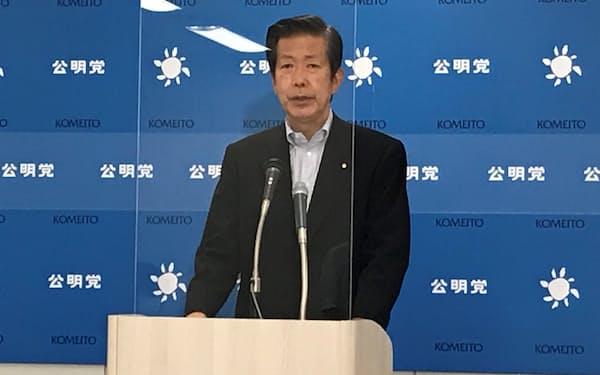 記者会見で答える公明党の山口那津男代表