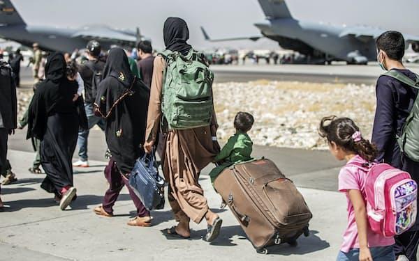 国外退避するアフガン人をアフリカや中南米の国々が一時的に受け入れると表明している=AP