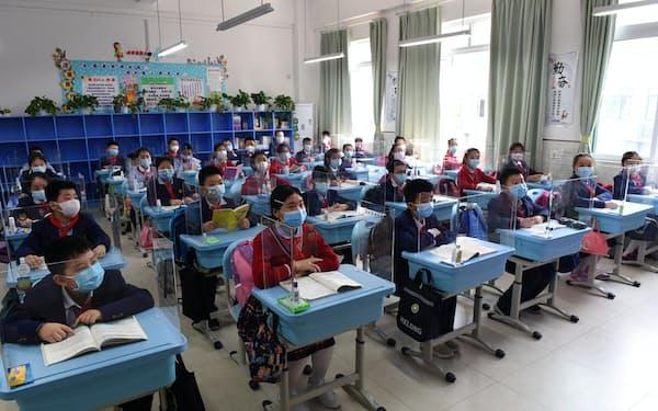 中国では9月の新学期から「習近平思想」の履修が小学校から大学まで全国で義務付けられる=ロイター