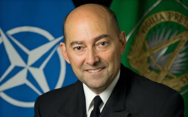 James Stavridis 元米海軍大将。2009~13年北大西洋条約機構(NATO)欧州連合軍最高司令官。カーライル・グループ所属。