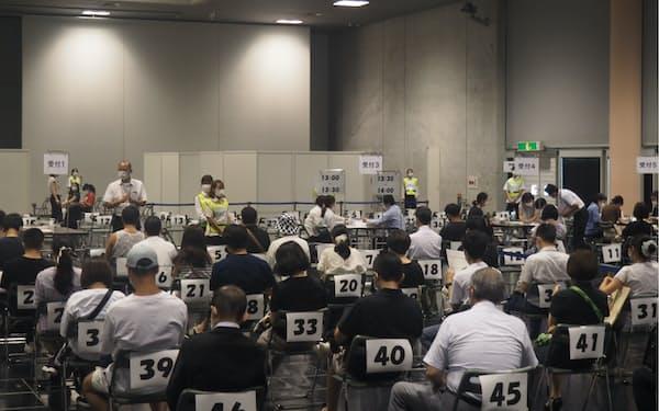 京都では観光事業者のワクチンの職域接種を急いでいる(30日、京都市勧業館みやこめっせ)