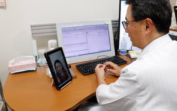 マイシンのオンライン診療「curon typeC」では手の空いた医師が順番に対応し診察を円滑に進める