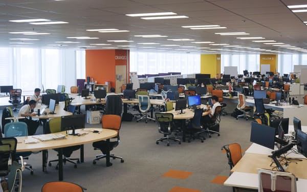 デジタル庁のオフィス内の様子(8月31日、東京都千代田区)=共同