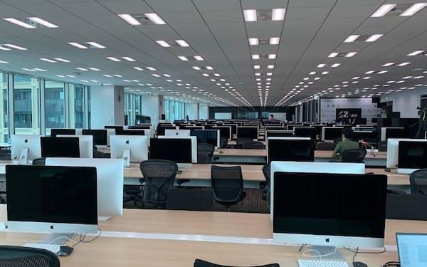 42 Tokyoの教室。42(フォーティーツー)は世界中で運営されているエンジニア養成校だ(撮影:日経クロステック)