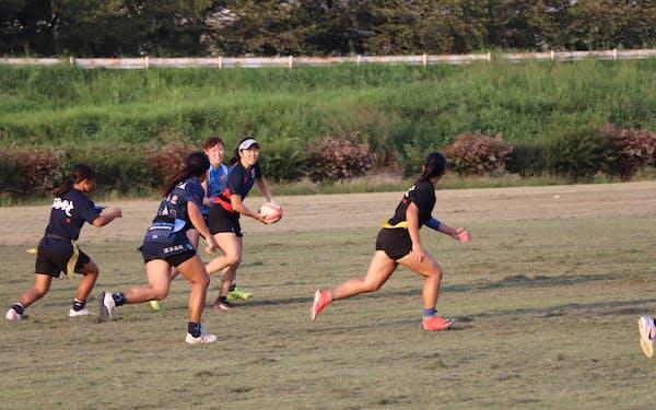 ARUKAS KUMAGAYAは、東京五輪の7人制ラグビーの代表選手も練習に参加する(8月、埼玉県熊谷市)