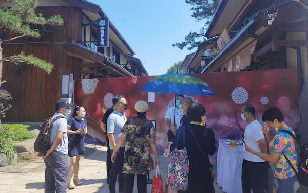 「盛唐・小京都」の商店街は営業を停止した(1日、遼寧省大連市)