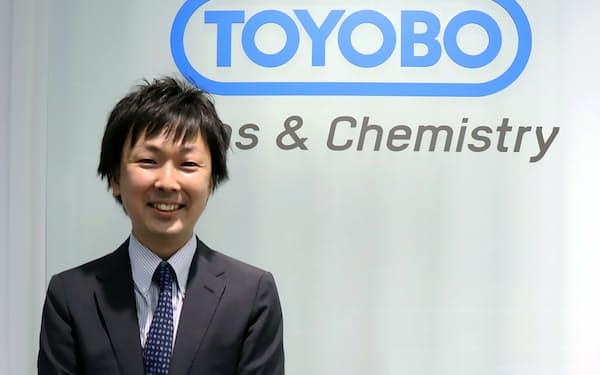 東洋紡の森田雄一朗さんが担当する液晶用フィルムは増産なども追い風に、21年3月期に製品売上高を3割伸ばした