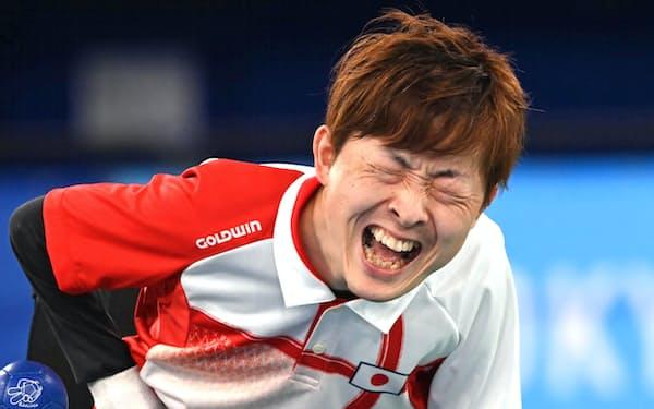 決勝で雄たけびを上げる杉村選手(1日、東京都江東区)