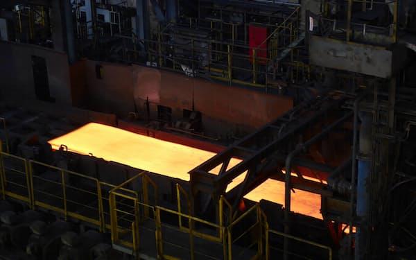 自動車向けの鉄鋼需要は大きい(千葉県君津市の東日本製鉄所君津地区)