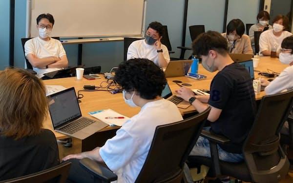 スタートアップに対して資金調達に関する勉強会を開くVCの代表ら(奥左、7月、名古屋市)