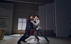 漂流する親たちの苦さ 東京芸術劇場「Le Fils 息子」