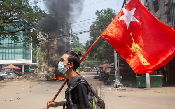クーデターでミャンマーのリスクが顕在化したとの見方が広がった(5月、ヤンゴン)=ロイター