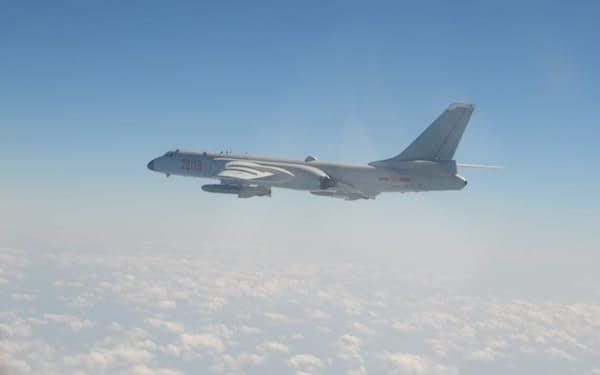 中国軍機が5日、台湾の防空識別圏に大量侵入した=国防部(国防省)提供