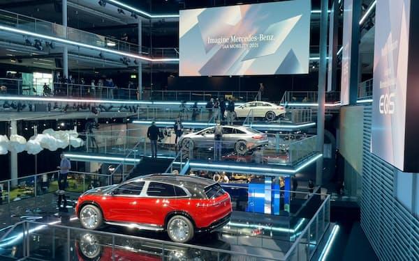 独メルセデス・ベンツは5日に4車種のEVを発表(5日、独ミュンヘン)