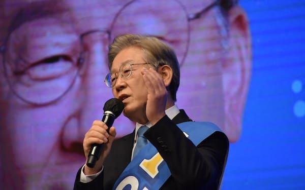 緒戦で連勝し、大きくリードした李在明京畿道知事(5日)