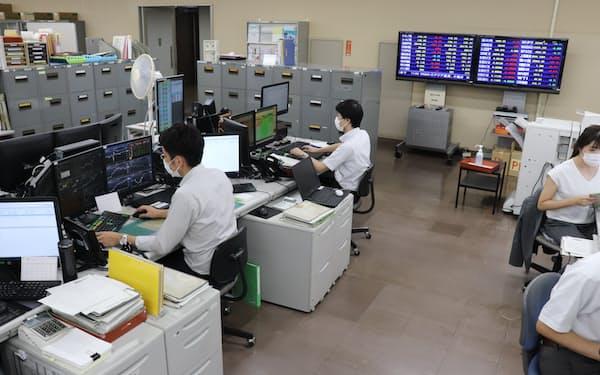 子会社との連携で、銀行の運用部門の人材を強化する(長野市の本店)