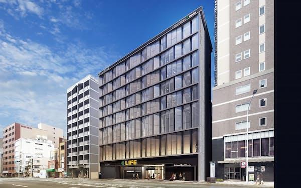 四条通沿いに開業するホテルとスーパーが入る複合施設の外観イメージ