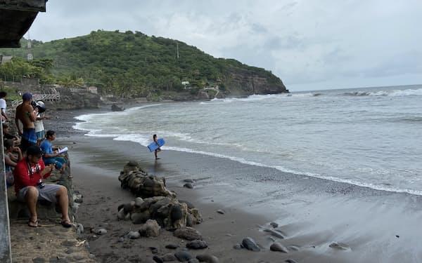 エルソンテには国内外のサーファーが集う