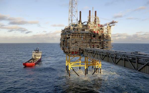 ノルウェー企業のガス関連施設(2016年、スタバンゲル沖)=ロイター