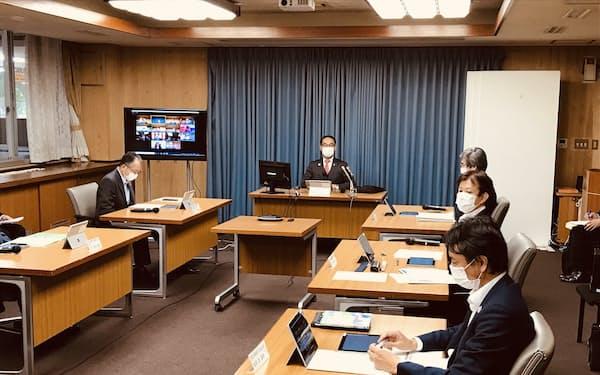 埼玉県がコロナ下・コロナ後の経済対策の策定のために開いた戦略会議(8日、埼玉県庁)