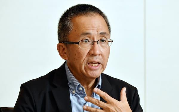 さかきだ・たかゆき 1960年京都市生まれ。15歳から4年間、米国の全寮制高校に留学。授業では「作曲」も履修。84年上智大外国語卒。日本輸出入銀行(現・国際協力銀行)を経て、85年に京都信用金庫入庫。2018年から理事長。