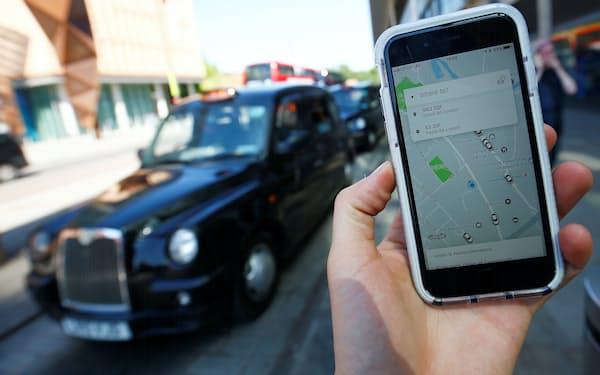 ウーバーでは運転手が乗車客を評価し、その点数を乗客に知らせている。これを採用に活用しようとした企業があるが…=ロイター