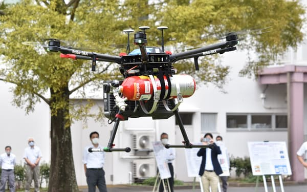 石炭から製造した水素を使って飛行するドローン(神奈川県茅ケ崎市)