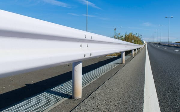 日鉄建材はガードレールなどの道路建材を展開する