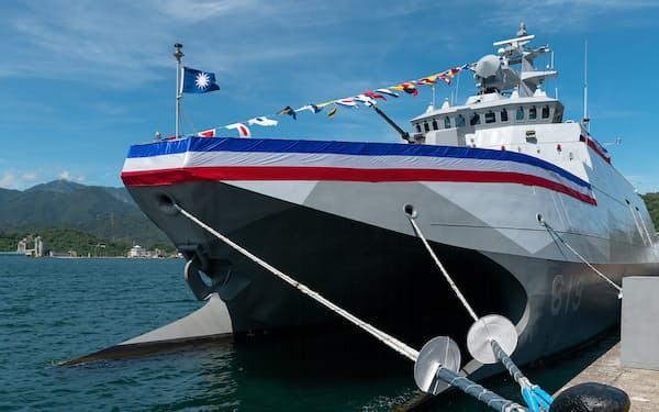 台湾が自主建造した新型のコルベット艦「塔江艦」(9日、宜蘭県)=総統府提供