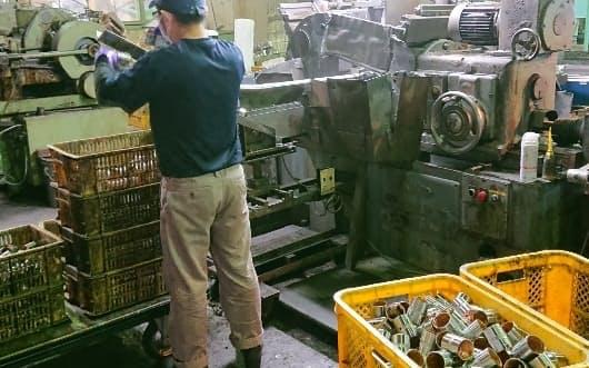 折橋製作所は工員の採用に苦心する一方、システム構築技術者の確保には成功した(茨城県古河市の諸川工場)