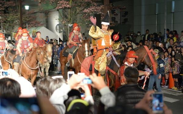 信玄公祭りは大勢の観客が集まり「密」になる恐れがある