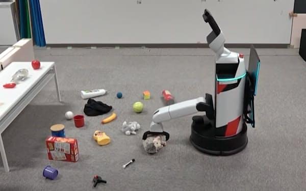 炭素材料を用いた「リザバー」で、触覚センサーから得たデータを基に物体を認識する=九工大・田中教授提供