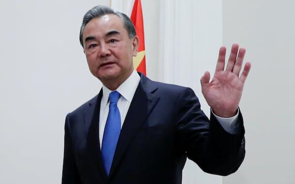 中国は王毅外相の派遣で東南アジア重視の姿勢を示す=ロイター