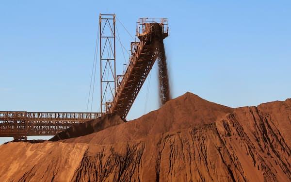 鉄鉱石の需要は世界的に底堅い(オーストラリア西部の鉱山)=ロイター