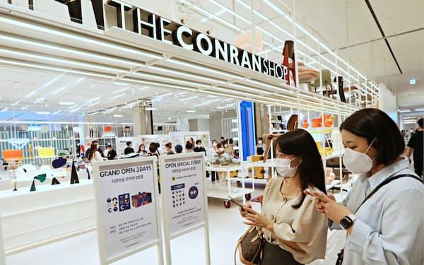 8月開業のロッテ百貨店東灘店では1階に家具店を誘致するなどインテリア事業に注力している