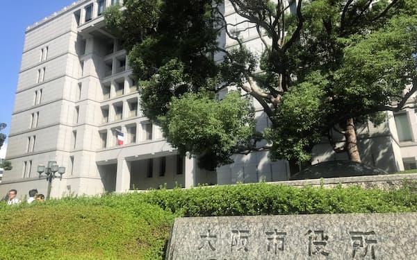 特別区役所として活用が検討されている大阪市役所本庁舎(10日、大阪市)