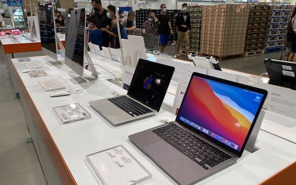 台湾大手のパソコン生産受託メーカーは、部品不足でモノが作れず、業績が低迷してきた(9月、台北市)