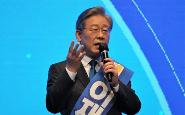 韓国与党「共に民主党」の予備選をリードする李在明京畿道知事(11日、大邱)