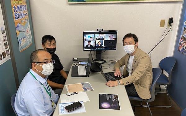 SNSマーケティングを始める、長崎国際観光コンベンション協会の担当者ら(長崎市)