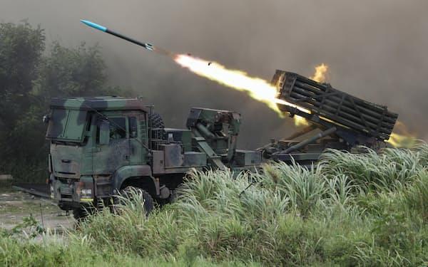 台湾軍は今後、長距離ミサイルの配備を急ぐ構えだ(20年1月、台中市)=ロイター