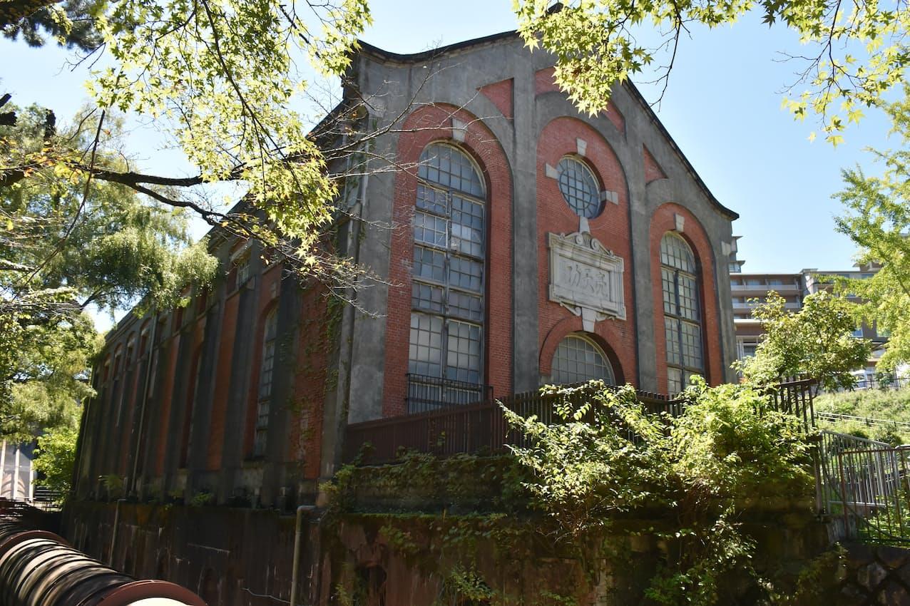 1912年に竣工した水力発電所用の建屋。現在は使われていない