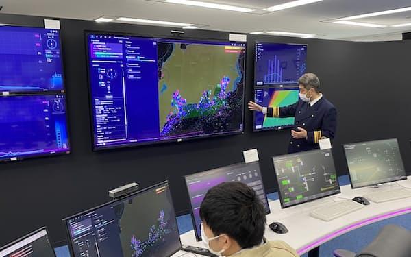 無人運航船の実証実験に向けて開設した陸上支援センター(千葉市)