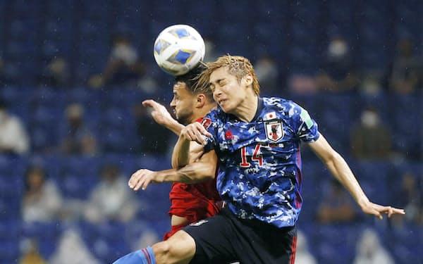 アジア最終予選の9月の2試合で日本は伊東㊨らこれまでの主力選手を重用したが、攻撃のスピード感をほとんどつくることができなかった=共同