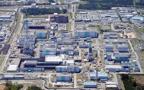 日本原燃の使用済み核燃料再処理工場(青森県六ケ所村)=共同