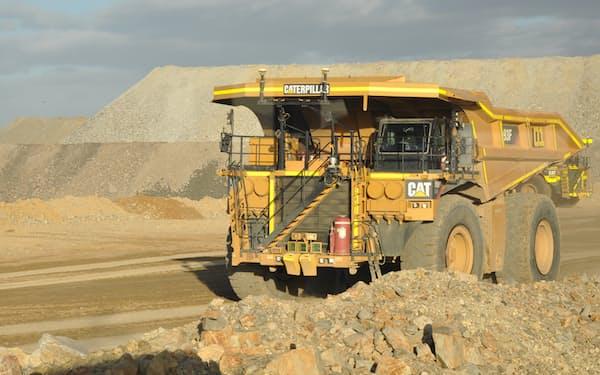 現在はディーゼルトラックが主流(リオティントの鉱山を走るキャタピラーのトラック)=AAP