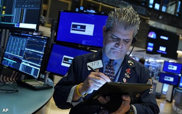 割高感に対する警戒も広がる中、米国株は過去最高値を次々と更新してきた。強気相場の立役者の一人が個人投資家だ
